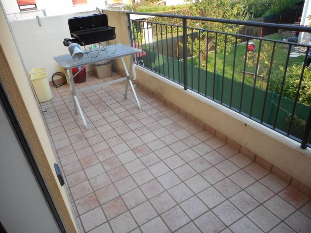 Appartamento in ottime condizioni arredato in vendita Rif. 7976731