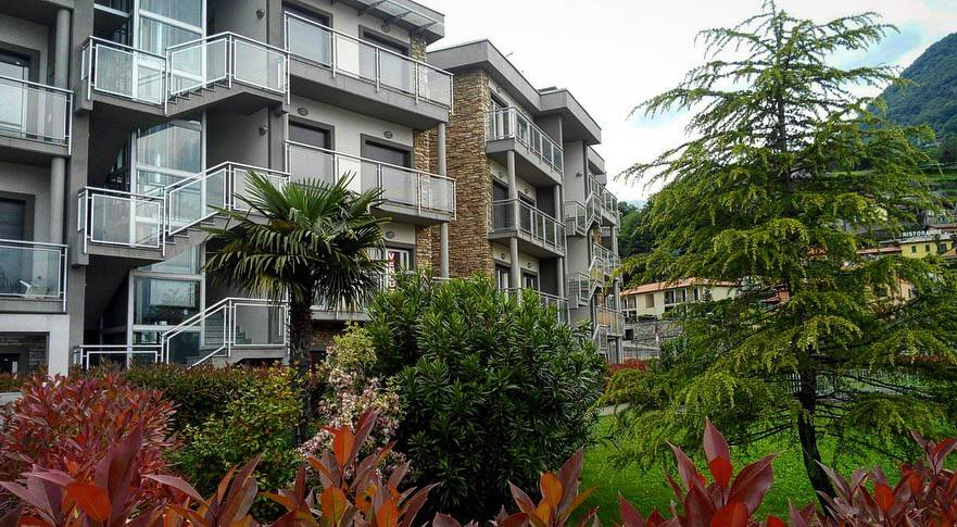 Bellissimo bilocale in residence con piscina e giardino