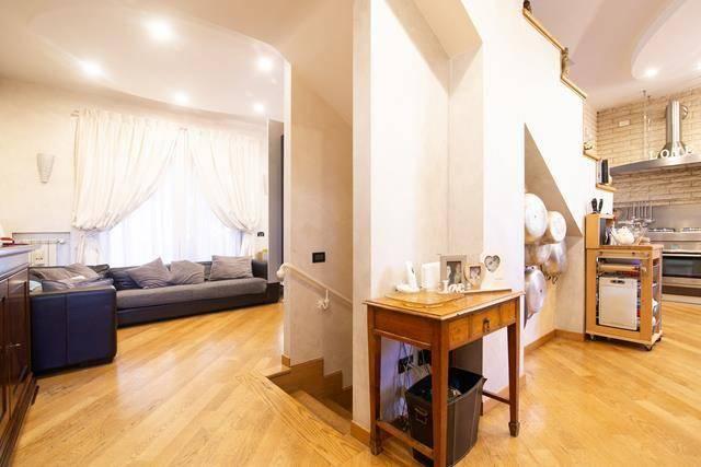 Villa in vendita a Roma, 5 locali, prezzo € 599.000   CambioCasa.it