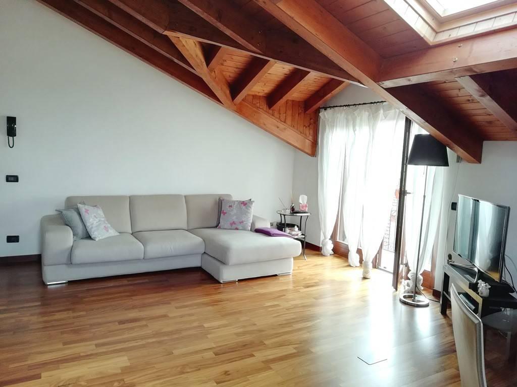 Appartamento in ottime condizioni in vendita Rif. 7148672
