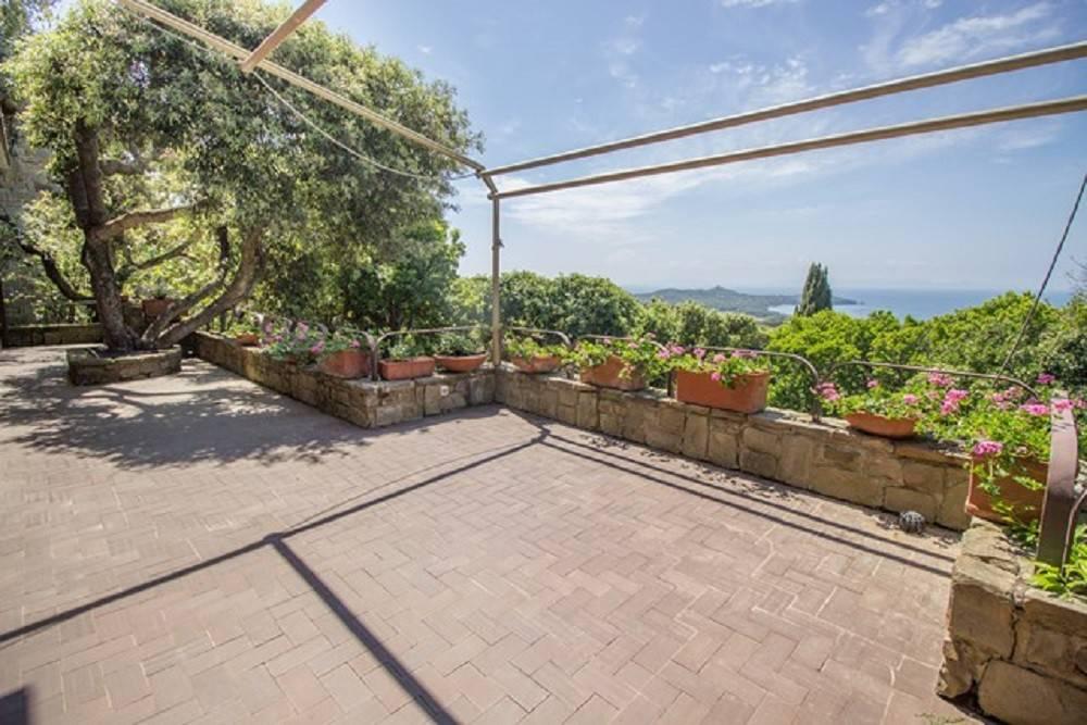 Villa in buone condizioni in vendita Rif. 7992486
