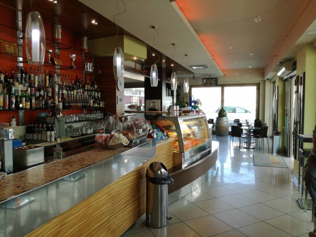 Attivita' di Bar Caffetteria,Gelateria,Cocktail-Bar Rif. 7991230