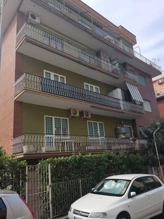Appartamento in vendita a Roma, 3 locali, zona Zona: 28 . Torrevecchia - Pineta Sacchetti - Ottavia, prezzo € 178.000 | CambioCasa.it