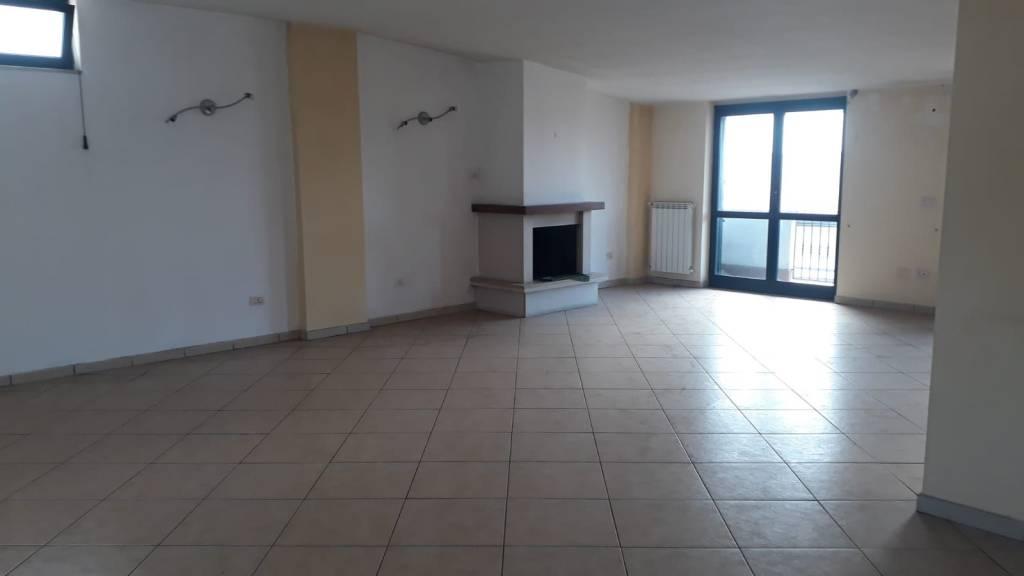 Attico / Mansarda in ottime condizioni in affitto Rif. 7991545