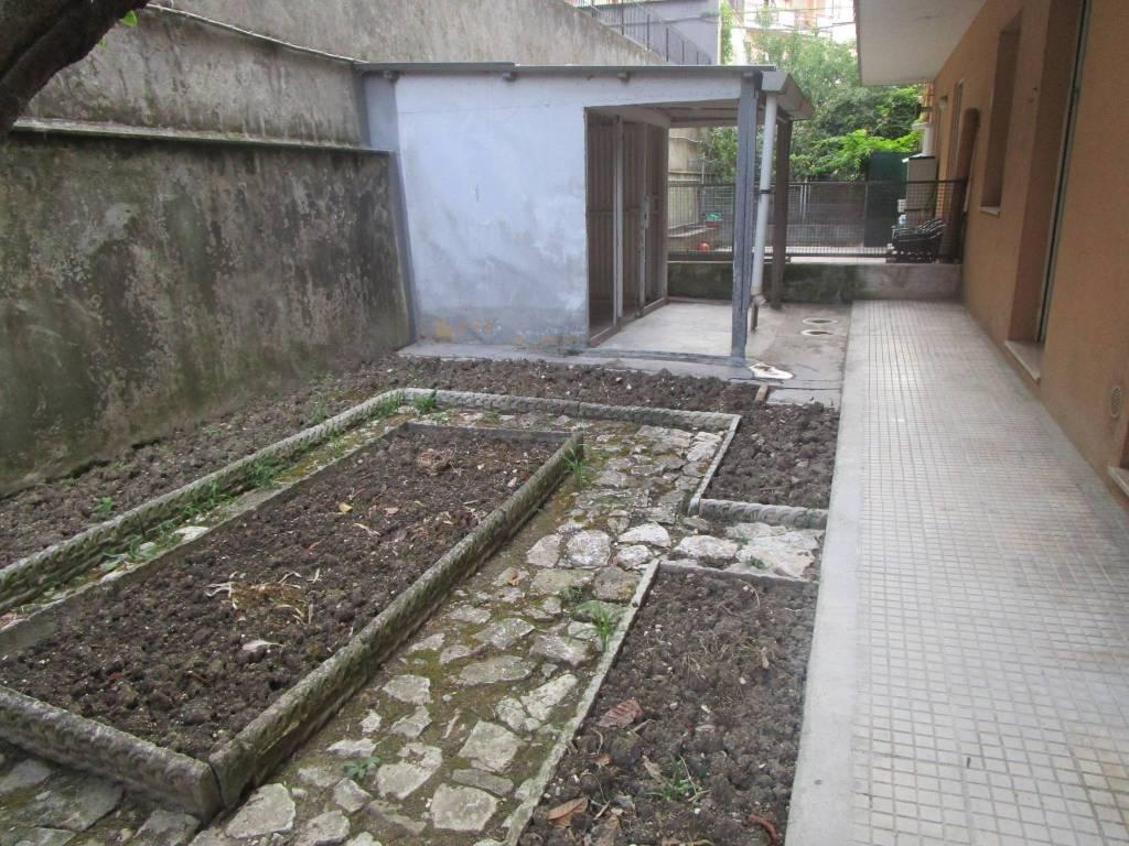 Appartamento in buone condizioni in vendita Rif. 9149908