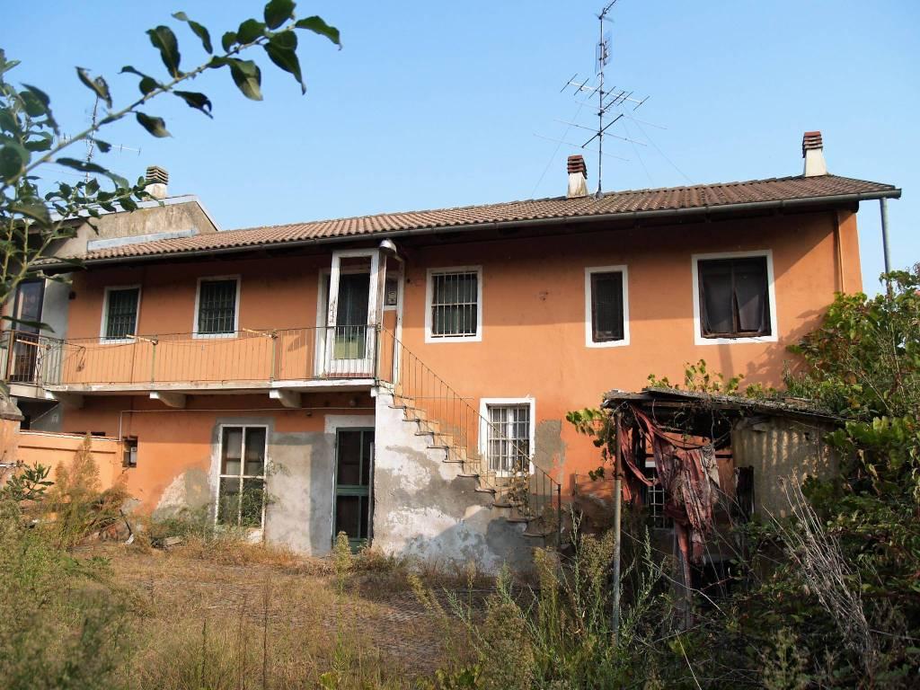 Rustico / Casale da ristrutturare in vendita Rif. 7992632