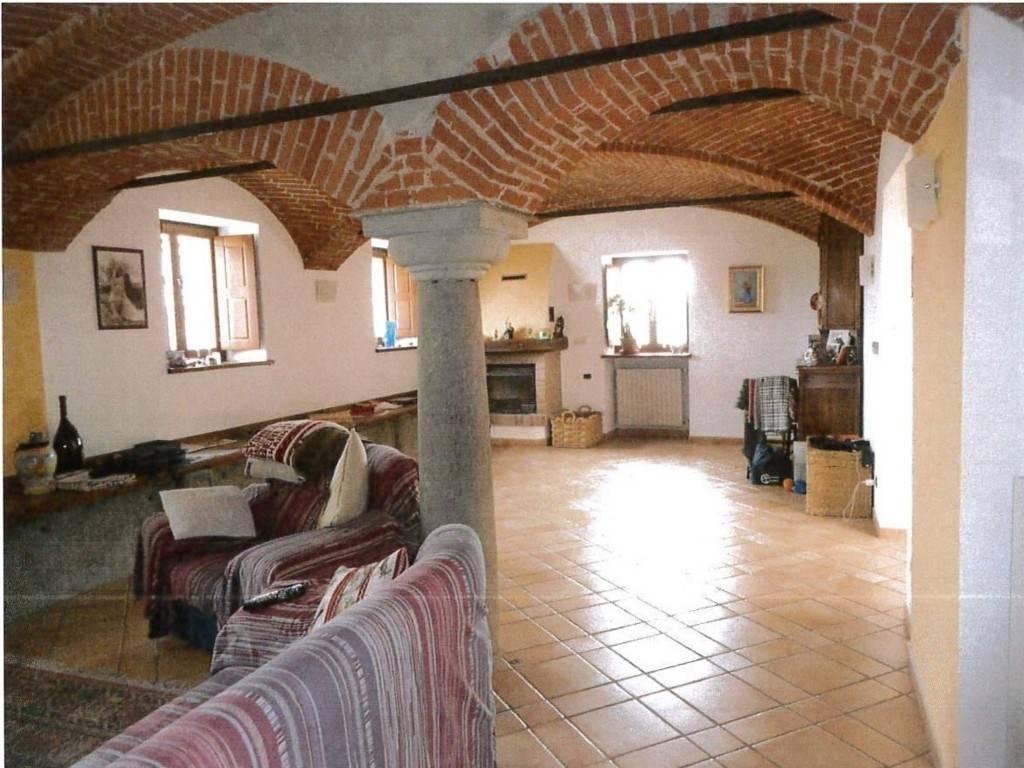 Appartamento in vendita a Pinerolo, 6 locali, prezzo € 130.000 | PortaleAgenzieImmobiliari.it