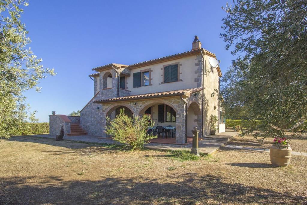 Rustico / Casale in ottime condizioni parzialmente arredato in vendita Rif. 7992492