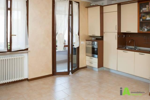 Appartamento in buone condizioni arredato in vendita Rif. 6141789