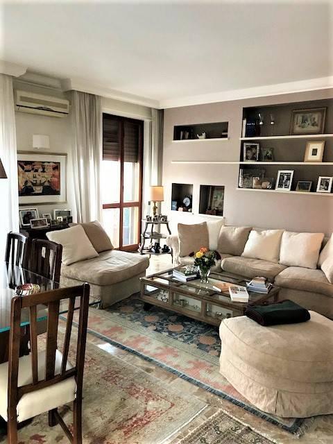 Appartamento parzialmente arredato in vendita Rif. 7971405