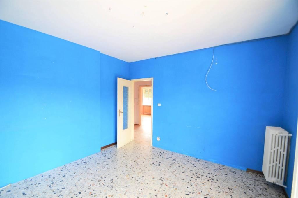 Appartamento in buone condizioni in vendita Rif. 8006656