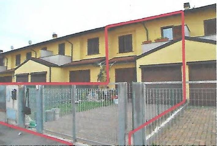 Villa a schiera quadrilocale in vendita a Trigolo (CR)