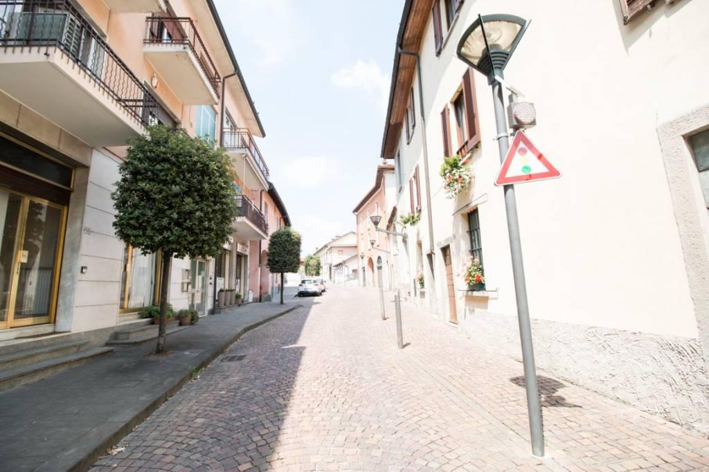 Appartamento in ottime condizioni in vendita Rif. 8003009