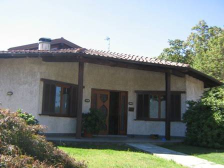 Villa in vendita a Albizzate, 5 locali, prezzo € 280.000 | CambioCasa.it