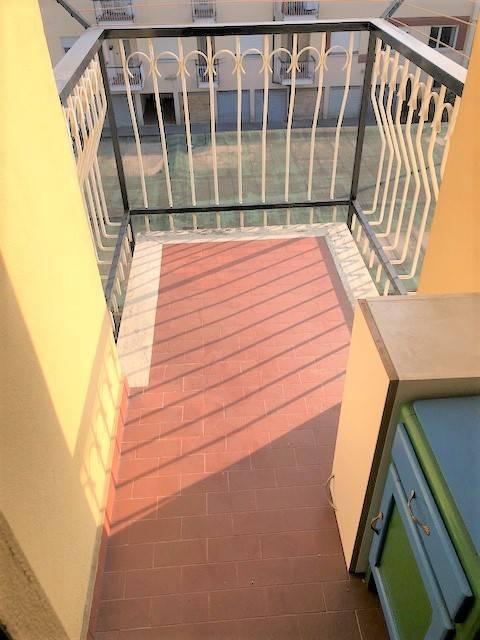 Appartamento in buone condizioni in affitto Rif. 8003050