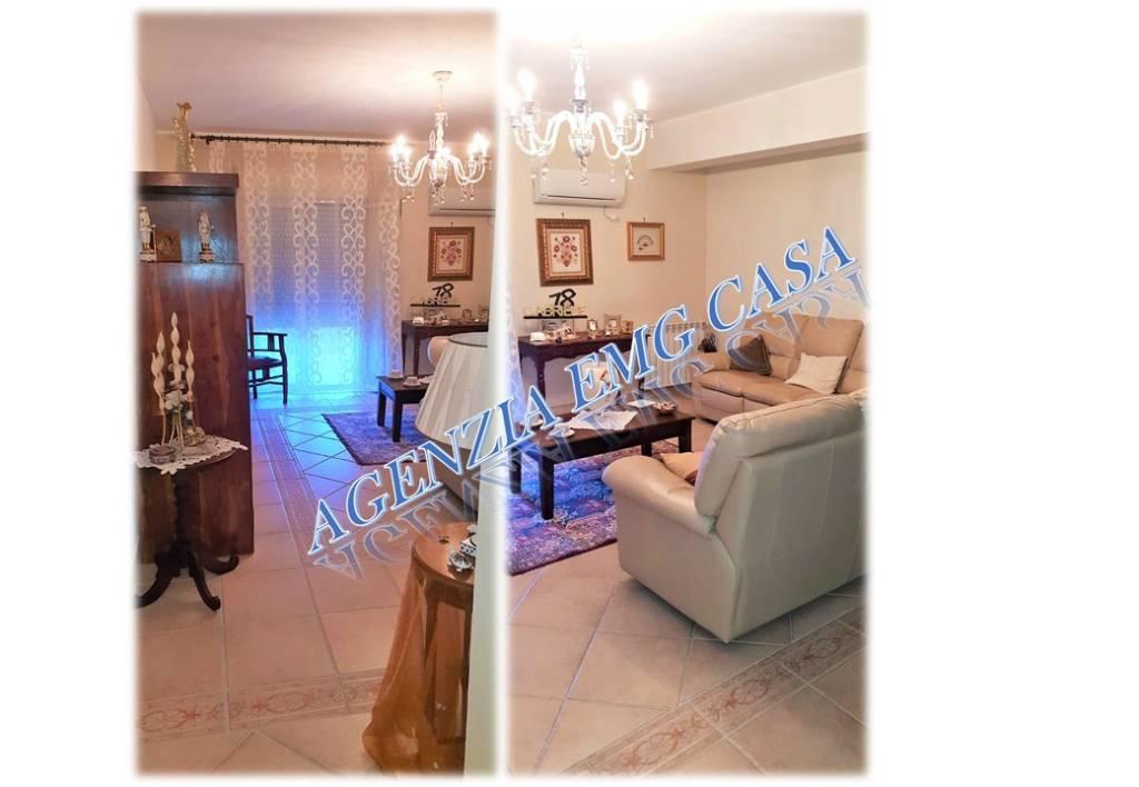 Appartamento in ottime condizioni parzialmente arredato in vendita Rif. 8006877