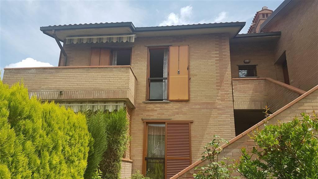 Appartamento in buone condizioni in vendita Rif. 8172538