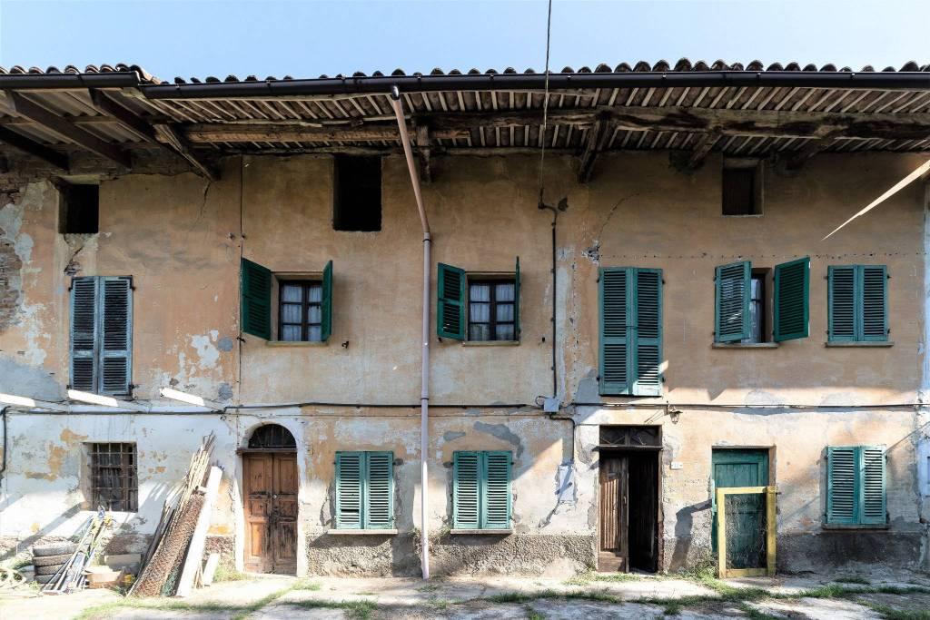 Rustico / Casale in vendita a Cortiglione, 8 locali, prezzo € 40.000 | PortaleAgenzieImmobiliari.it