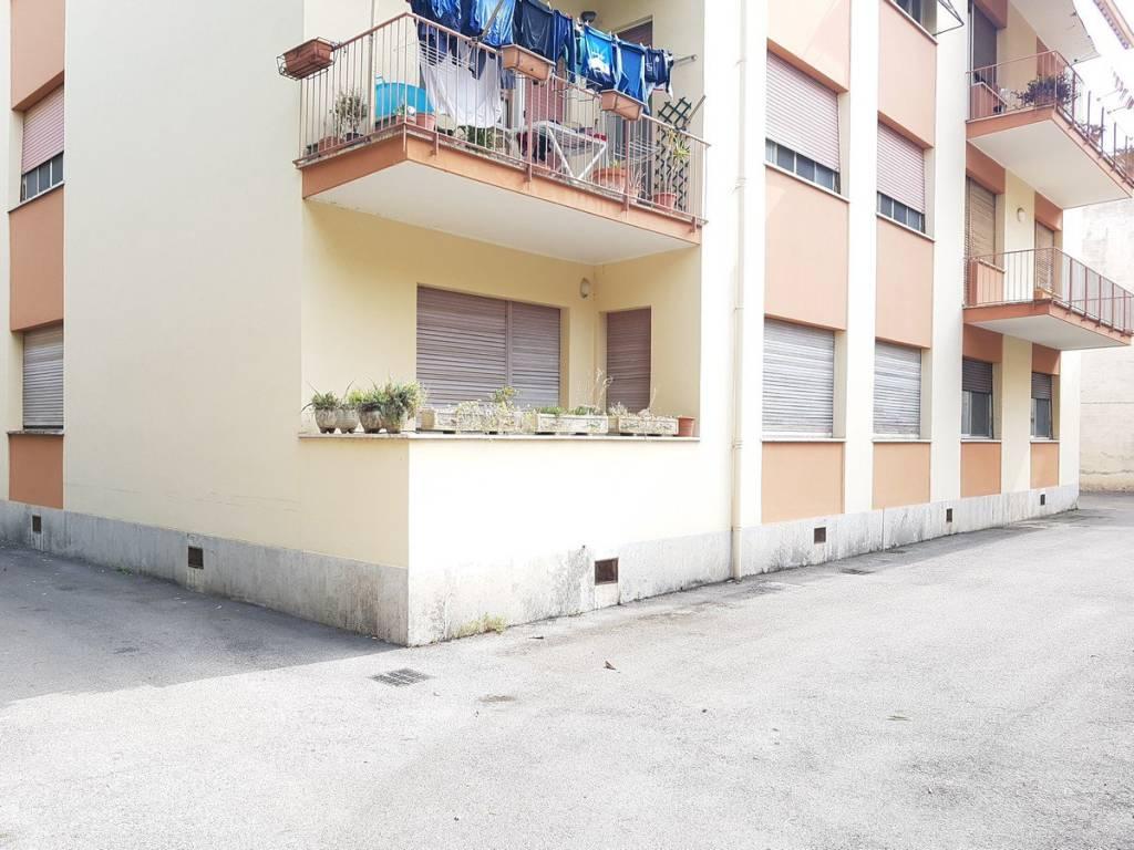 Appartamento in buone condizioni in vendita Rif. 7965804