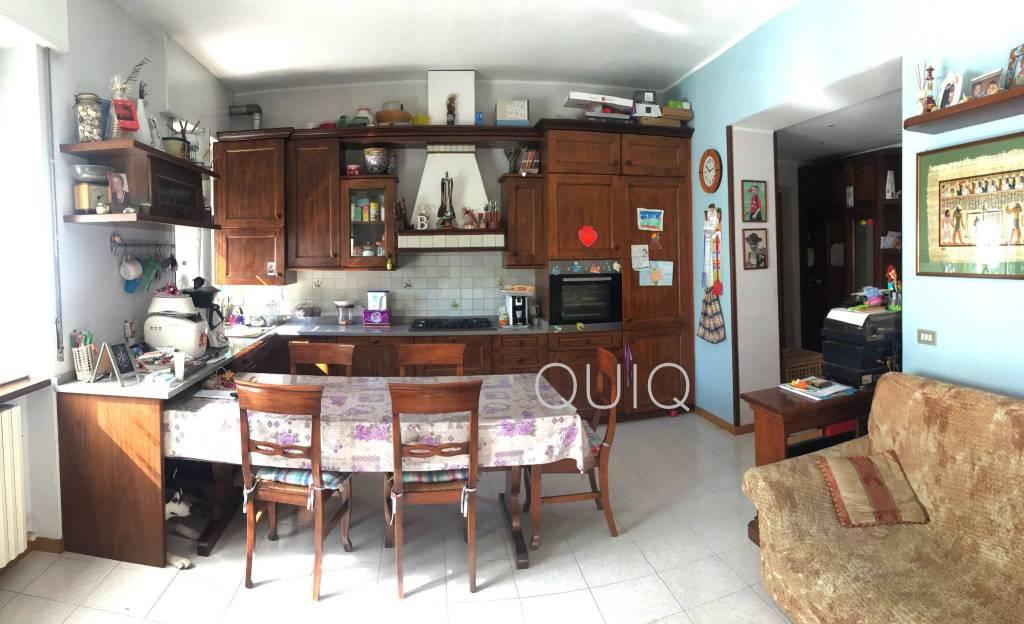 Appartamento parzialmente arredato in vendita Rif. 8002741