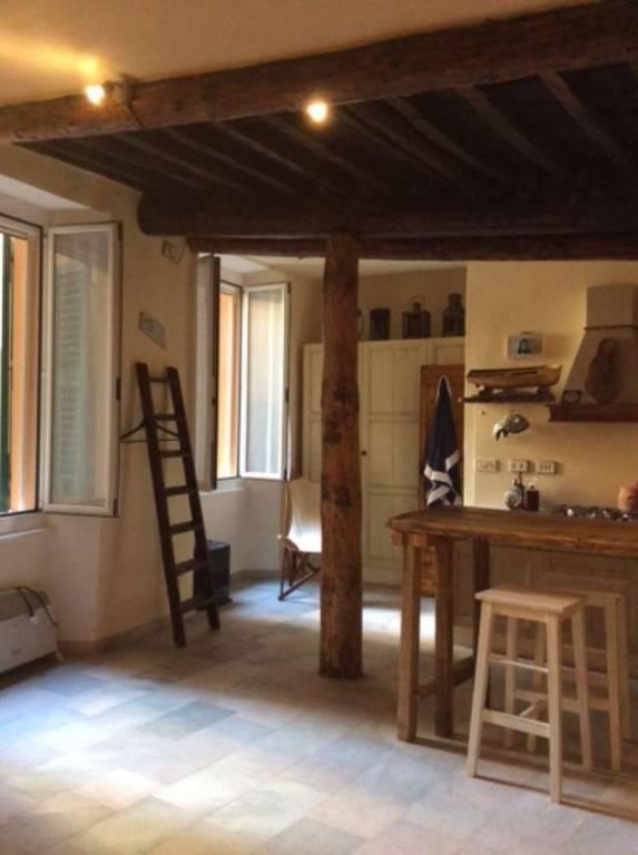Appartamento in vendita a Camogli, 4 locali, prezzo € 300.000   CambioCasa.it