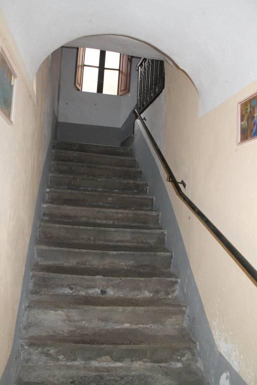 Appartamento in vendita a Pontremoli, 6 locali, prezzo € 65.000 | PortaleAgenzieImmobiliari.it