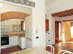 Appartamento in buone condizioni arredato in affitto Rif. 8007398