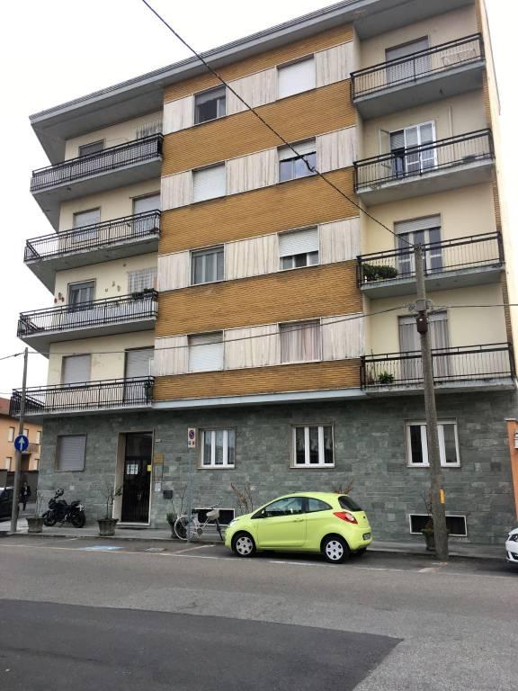 Appartamento da ristrutturare in vendita Rif. 8005368