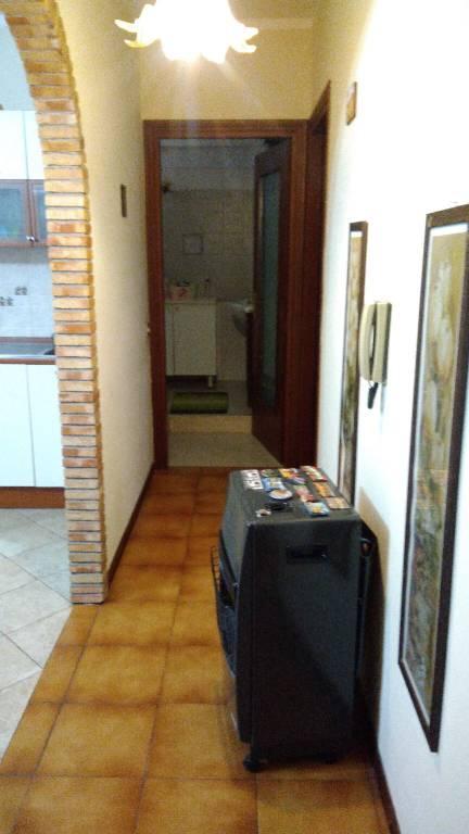 Appartamento in buone condizioni arredato in vendita Rif. 8608013