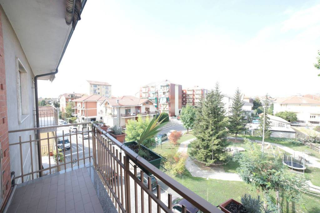 Appartamento parzialmente arredato in affitto Rif. 7994850