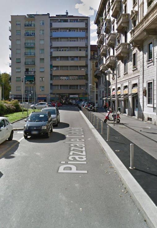 Negozio-locale in Affitto a Milano 13 Marcona / Montenero / Umbria / Lomellina: 1 locali, 35 mq