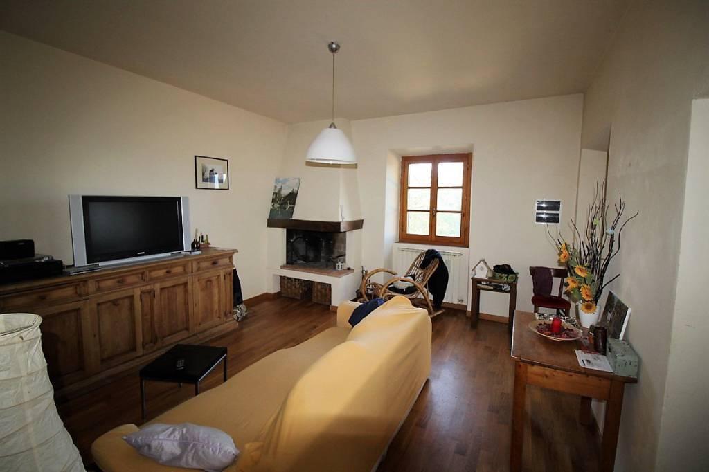 Appartamento in buone condizioni in vendita Rif. 8004619