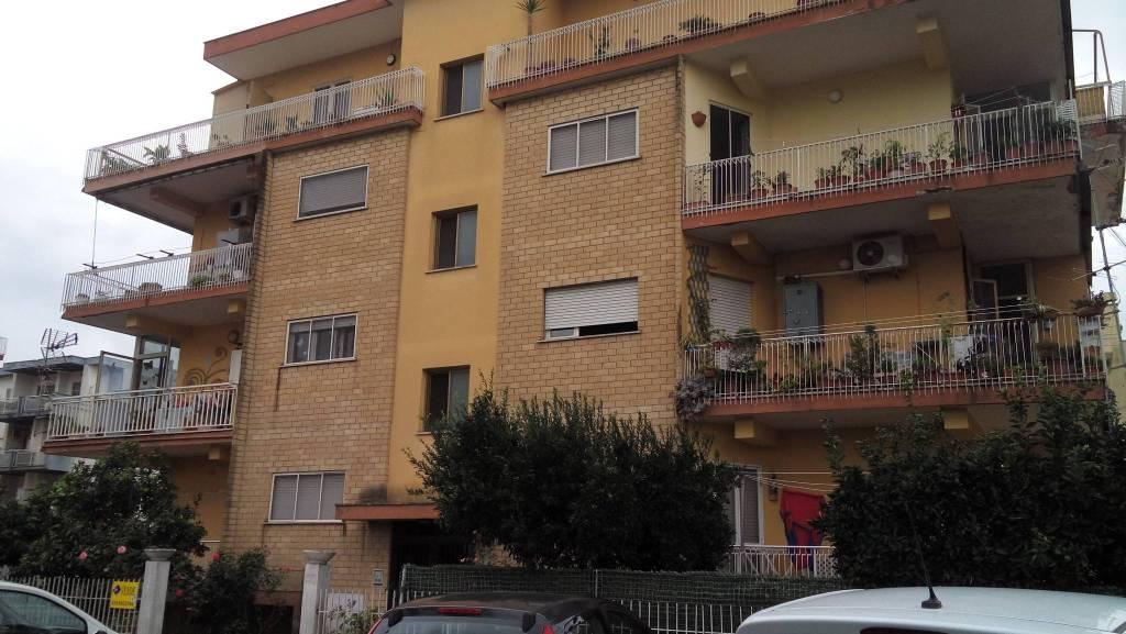 Appartamento in buone condizioni in vendita Rif. 7849952