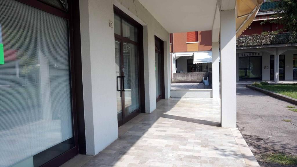 Ufficio / Studio in vendita a Bagnolo Mella, 1 locali, prezzo € 200.000 | CambioCasa.it