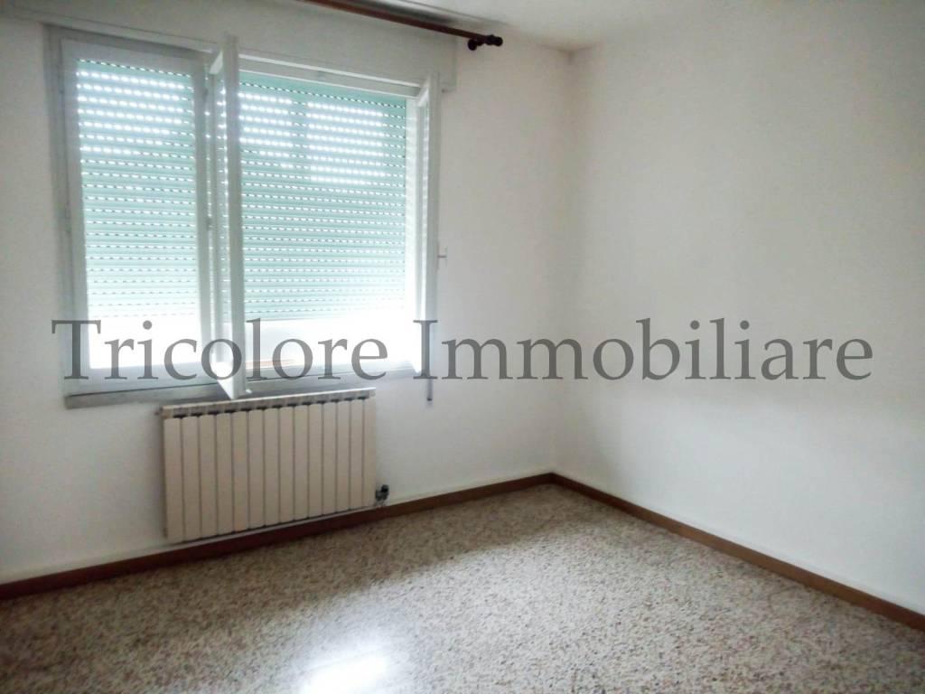 Appartamento in buone condizioni in vendita Rif. 8005715