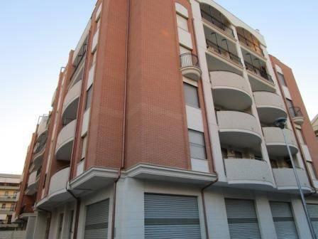 Appartamento trilocale in affitto a Foggia (FG)