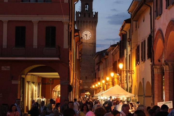 Ristorante / Pizzeria / Trattoria in Vendita a Castel San Pietro Terme