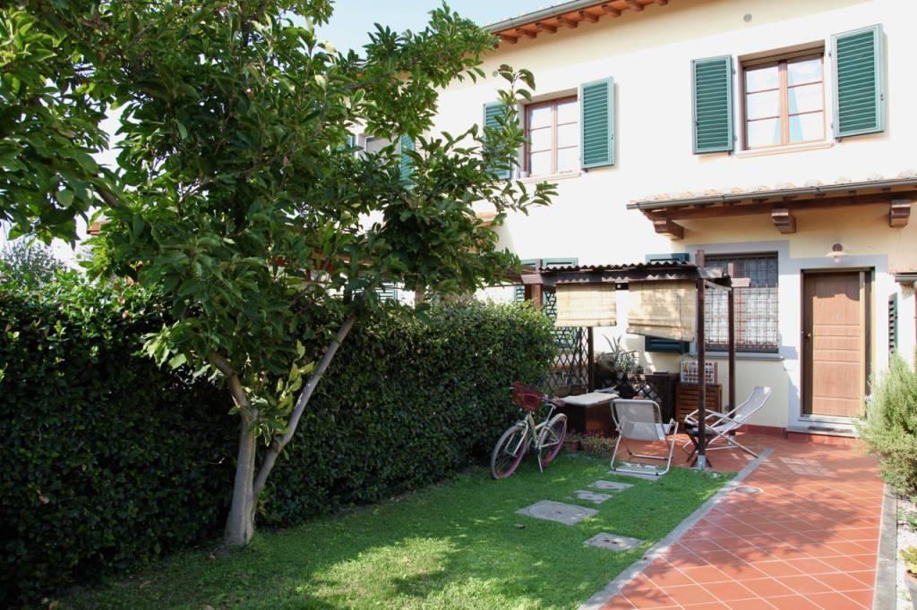 Casa Indipendente in ottime condizioni parzialmente arredato in vendita Rif. 8021193