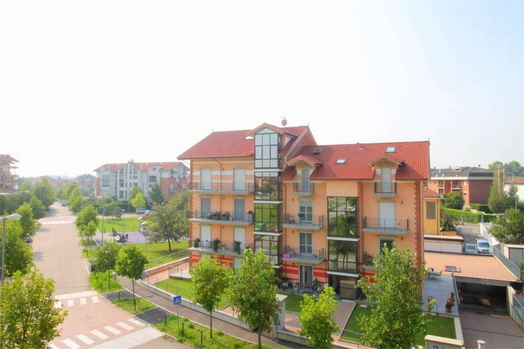 Appartamento in ottime condizioni in vendita Rif. 8019261