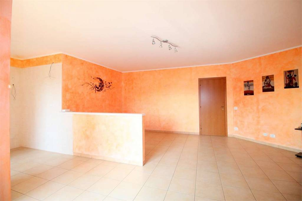 Appartamento in ottime condizioni in vendita Rif. 8019263
