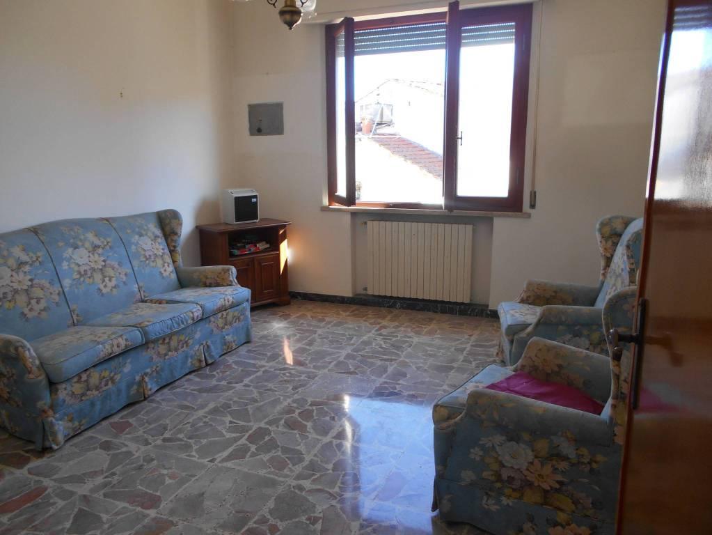 Appartamento in buone condizioni in vendita Rif. 8019911