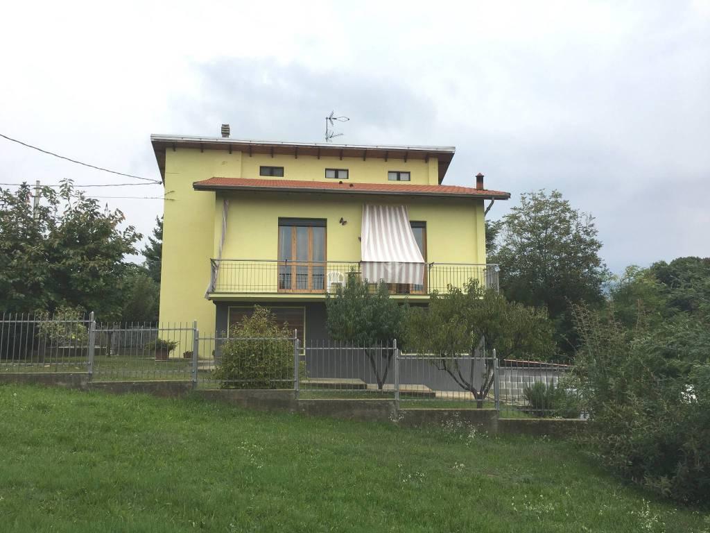 Villa in ottime condizioni parzialmente arredato in vendita Rif. 8020203