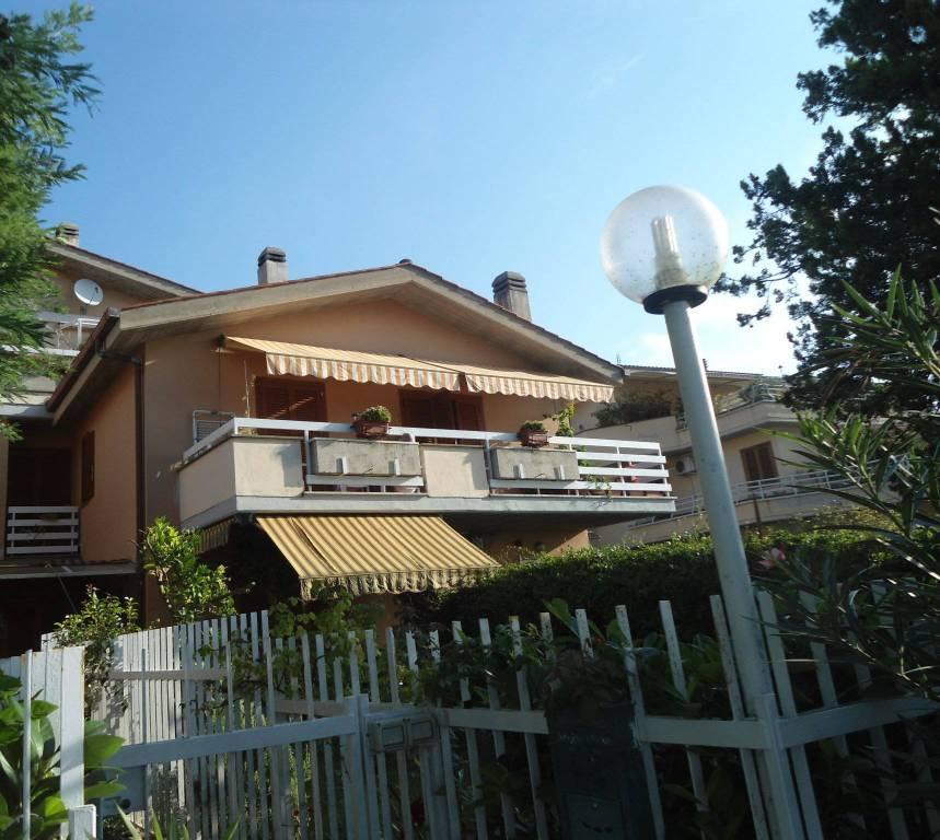 Appartamento in ottime condizioni in vendita Rif. 8017447