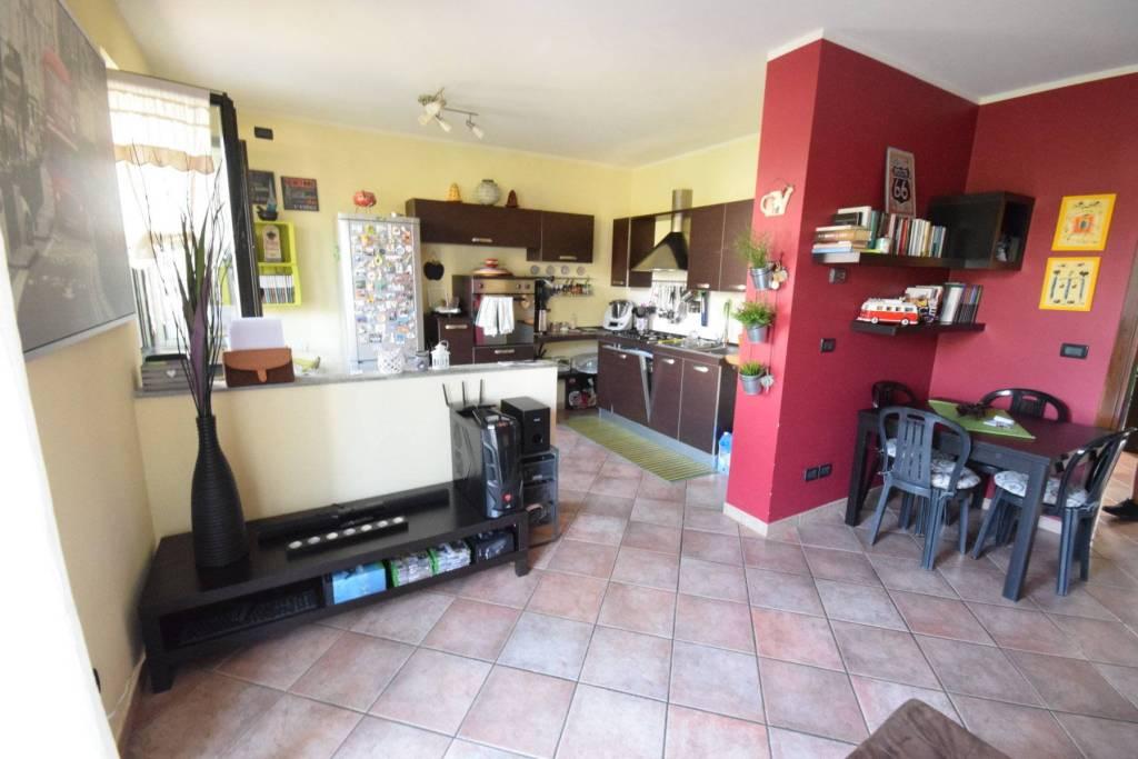 Appartamento in ottime condizioni in affitto Rif. 8020638