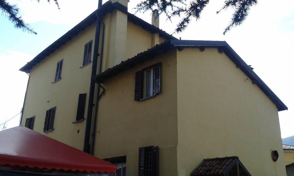Appartamento in buone condizioni parzialmente arredato in vendita Rif. 8019507
