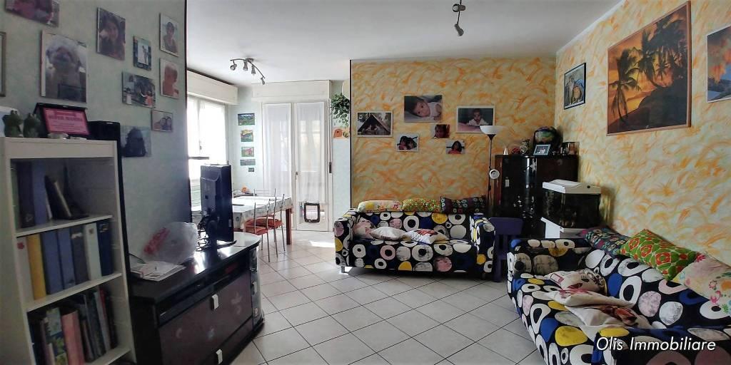 Appartamento in vendita 4 vani 90 mq.  via Giovanni Segantini 59 Bologna