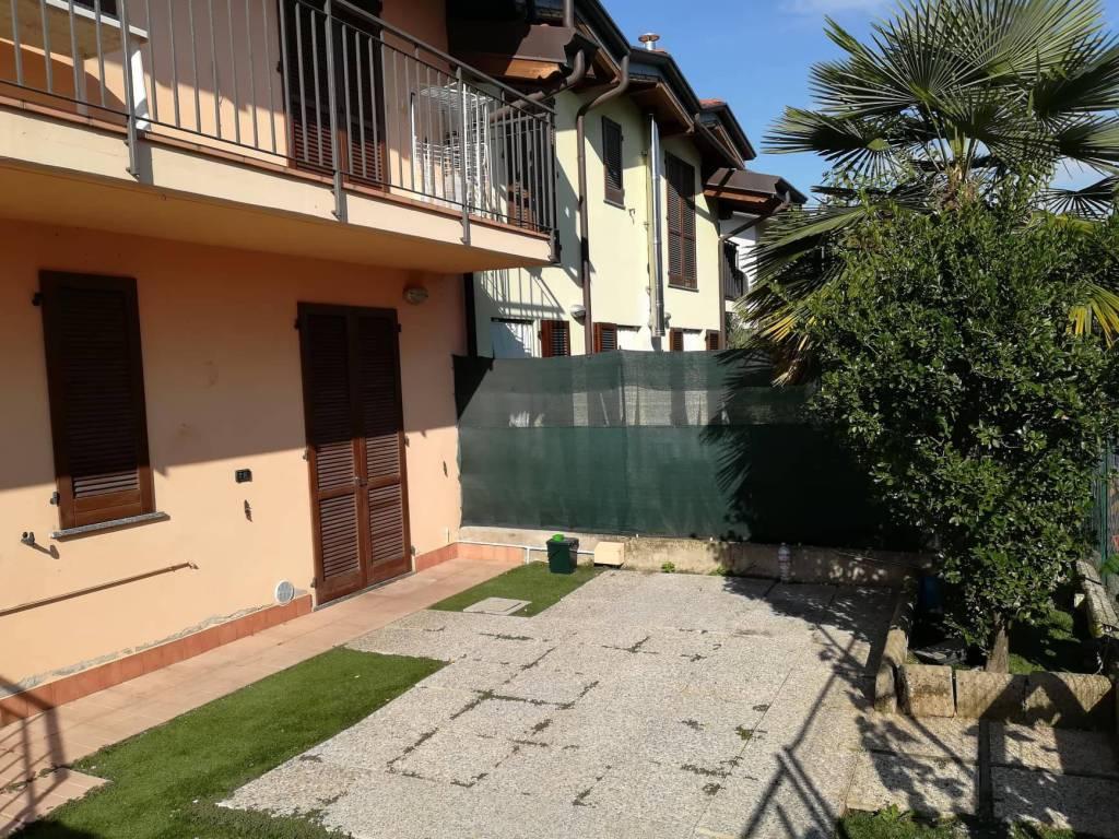 Appartamento in ottime condizioni in vendita Rif. 7552914