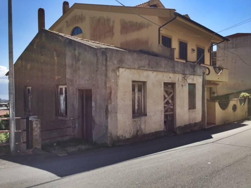 Casa Indipendente da ristrutturare in vendita Rif. 8017185