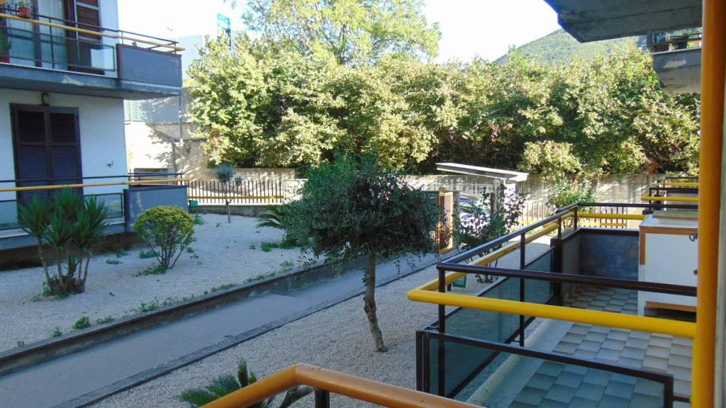 Appartamento in buone condizioni in vendita Rif. 8017534