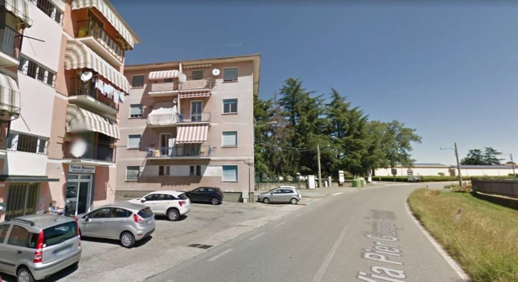 Appartamento in buone condizioni in vendita Rif. 8022186